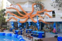 En esta ocasión les traigo lindas ideas de decoraciones para todo tipo de fiestas hechas con globos, espero les gusten y le sea de utilidad ...