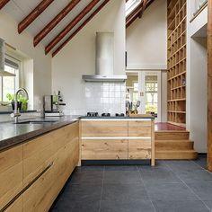 Handgemaakte houten keukens. JP Walker maakt bijzondere Keukens & Interieurs van echt hout in alle stijlen. Landelijk, Modern, Klassiek en Robuuste stijl.