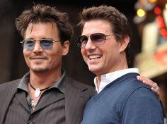 Los actores Johnny Depp y Tom Cruise aparecen hoy en una ceremonia en homenaje al productor Jerry Bruckheimer, en el Paseo de la Fama en Hollywood, California. (AP)