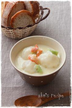 とろりんカブの豆乳スープ by 調理師あこ / やわらかく煮たカブがとろりんとおいしい豆乳スープ。水溶き片栗粉でとろみをつけているので冷めにくいのもうれしい! / ナディア