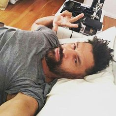 Spartacus Tv Series, Manu Bennett, Weak In The Knees, Picture Albums, Falling In Love With Him, Deathstroke, Jason Momoa, Roman Reigns, Book Characters