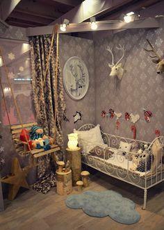 Lovely bed!  Kaunis pieni elämä