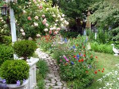 Our Favorite DIY Gardens from Rate My Space: The vibrant colors and earthy textures on this pathway will make any hurried pedestrian come to a complete stop. Posted by Rate My Space contributor English gardener.  From DIYnetwork.com