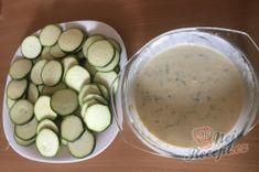 Příprava receptu Cuketa pečená v česnekově-jogurtovém těstíčku, krok 4 Zucchini, Pickles, Cucumber, Vegetables, Yogurt, Cooking, Top Recipes, Garlic, Vegetable Recipes