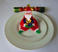 Justjen-knits&stitches: Gift Santas, Santa Garlands