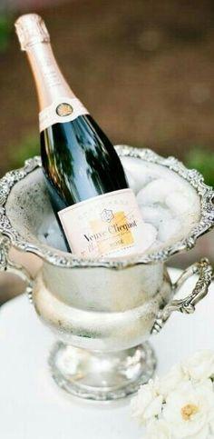 A Parisian Wedding Wedding Trends, Wedding Blog, Wedding Ideas, English Garden Wedding Inspiration, Champagne Buckets, Blue Bird, Summer Wedding, Rsvp, Bubbles