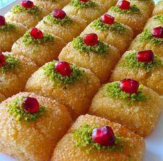 Bal Parmak Tatlısı Finger Desserts, Finger Foods, Finger Finger, Avocado Dessert, Turkish Recipes, Italian Recipes, Ethnic Recipes, Avocado Toast, Turkish Baklava