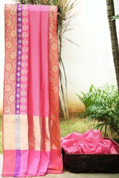Would love to have Lakshmi Handwoven Banarasi Silk Sari 000329 - Parisera