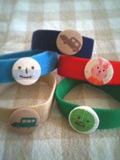 くるみボタン アレンジ 活用 かわいい 作り方 Kids Apron, Diy And Crafts, Baby Shoes, Weaving, Felt, Embroidery, Knitting, Crochet, Handmade