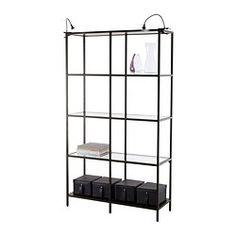 IKEA - VITTSJÖ, Étagère, , Le verre trempé et le métal sont des matériaux résistants qui donnent un aspect ouvert et aérien.Un seul élément peut servir de rangement dans un espace retreint, ou servir de base pour une solution de rangement plus importante lorsque les besoins évoluent.Pieds réglables pour une grande stabilité même sur supports irréguliers.Vous pouvez choisir la finition que vous préférez car les panneaux supérieur et inférieur ont un côté brun-noir et un autre noir.