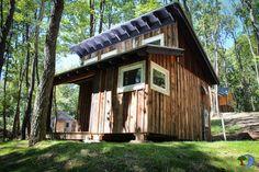 Hobbitat Funkamatic cabin.