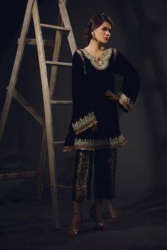 Pakistani Fashion Party Wear, Pakistani Formal Dresses, Pakistani Wedding Outfits, Indian Bridal Outfits, Pakistani Dress Design, Indian Dresses, Bridal Dresses, Wedding Dress, Fancy Dress Design