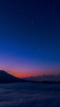 Night Sky Wallpaper, Cloud Wallpaper, Wallpaper Space, Galaxy Wallpaper, Wallpaper Backgrounds, Night Clouds, Sky And Clouds, Night Skies, Iphone Homescreen Wallpaper