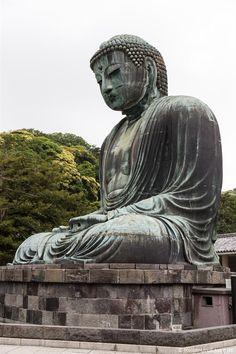 Den zweitgrößten Buddha von Japan haben wir in Kamakura besucht. Dieser befindet sich nur 1 Stunde von Tokio entfernt. Neben dem Großen Buddha lohnt sich auch ein Besuch im Tempel Hase-dera. Begleite mich auf meiner Besichtigungstour mit vielen Bildern und Informationen.