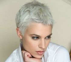 Super short white hair, the best short haircuts for women Really Short Haircuts, Edgy Short Haircuts, Short Hairstyles For Thick Hair, Haircut For Thick Hair, Short Hair Cuts For Women, Pixie Hairstyles, Short Hair Styles, Hairstyle Short, Hairstyle Ideas