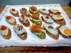 Catering Food, Wedding Catering, Finger Food Appetizers, Finger Foods, Cinderella Recipe, Canapes Faciles, Good Food, Yummy Food, Whats For Lunch