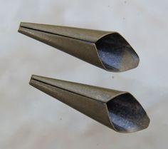 21x6.5mm 2mm & 5mm hole Antique Brass Base Metal by beadsandbabble