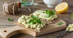 Recette de Rillettes diététiques au thon et à l'avocat. Facile et rapide à réaliser, goûteuse et diététique. Ingrédients, préparation et recettes associées.