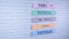 Carteles de madera con mensaje Handfie Ideas Hogar, Pokemon, Diy, Ideas Originales, Quotes, Frases, Logo, Home, Wood Planks