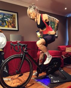 As a beginner mountain cyclist, it is quite natural for you to get a bit overloaded with all the mtb devices that you see in a bike shop or shop. There are numerous types of mountain bike accessori… Road Bike Women, Bicycle Women, Bicycle Girl, Cycling Girls, Cycling Wear, Fitness Workouts, Hot Wheels, Bmx, Radler
