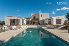 Extraordinary international Property of the Day: Impressive country estate with 360º views in Porreres in Center Countryside Mallorca, Spain