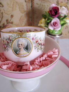 Craft inspiration : How about a paper teacup with a portrait and handpainted flowers? Teacup tutorial in my Paper Crafting Board
