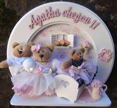 quadro enfeite porta maternidade decoração menina ,com ursinhos de pelúcia nas cores do quartinho do seu bebe personalizado com nome do bebe R$ 222,20