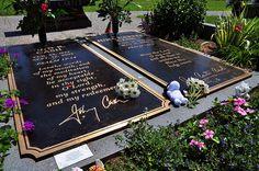 Johnny Cash & June Carter Cash gravesite