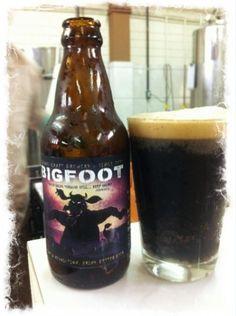 Cerveja Bigfoot Russian Imperial Stout, estilo Russian Imperial Stout, produzida por Seasons, Brasil. 10% ABV de álcool.