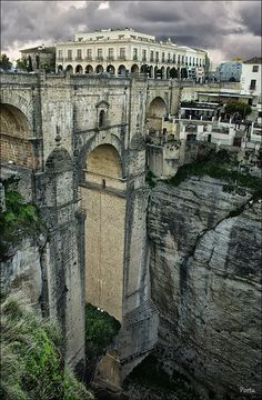 Ronda – Málaga, Spain. I remember looking at this and telling myself that it wasn't real, that I was in a dream. It's so spectacular.