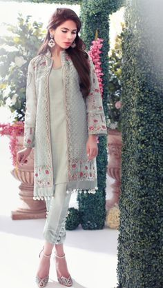 Farida Hasan Formal Wear Royal Dresses Collection 2015 10 This is classy Pakistani Fashion Party Wear, Pakistani Dresses Casual, Indian Fashion Dresses, Pakistani Dress Design, Indian Designer Outfits, Asian Fashion, Indian Outfits, Casual Dresses, Pakistani Designers