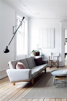 Sobre lo de no pegar el sofá a la pared...