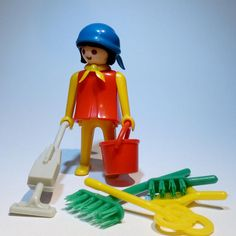 PLAYMOBIL Cleaning/vacuuming woman Vintage 1976 collection No box and instructions. Baby Doll Nursery, Baby Dolls, Vintage Toys, Miniatures, Retro, Holiday Decor, Collection, Products, Activity Toys