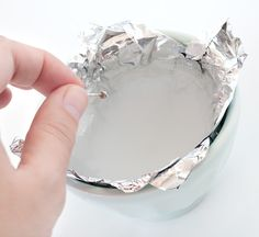 Using chemistry to clean silver jewelry with a aluminum paper (redox reaction) - tutotial