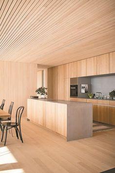 Haus B in Zwischenwasser / Dietrich Minimal Kitchen, Modern Kitchen Design, Cafe Interior, Kitchen Interior, Edwardian Haus, Küchen Design, House Design, Plywood Interior, Interior Decorating