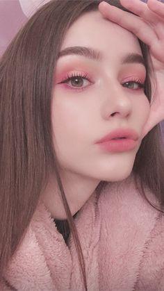 Pin on Makeup Beautiful Girl Wallpaper, Beautiful Girl Image, Cute Makeup, Makeup Looks, Hair Makeup, Aesthetic Makeup, Aesthetic Girl, Makeup Inspo, Makeup Inspiration