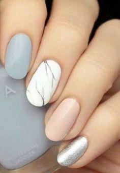 Multicolored nails