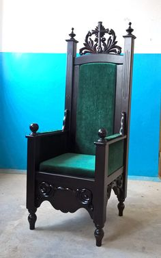 Church furniture Majestic beauty, the magnificence of an Orthodox church - on the one hand, it is a manifestation of our reverent attitude to the Lord God and the wealth of our soul. Medieval Furniture, Gothic Furniture, Antique Furniture, Furniture Design, King Chair, Throne Chair, Gothic Chair, Crosses Decor, High Back Chairs