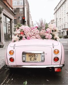 Everything about the pink wedding theme just screams romance. Our pink ideas is full of ways to make your wedding unique. Bedroom Wall Collage, Photo Wall Collage, Picture Wall, Flower Aesthetic, Pink Aesthetic, Foto Still, Image Deco, Mode Rose, Flower Installation