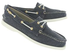 Sperry Womens A/O 2-eye navy canvas boat shoes