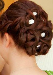 wedding updo with hair pins.