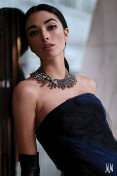 Accessorizing for the holiday season is easy with unforgettable crystals. Make a statement with divine jewels by Oscar de la Renta.