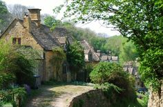 Snowshill cottages in Tewkesbury, Glos, England.  Snowshill is a small Cotswolds village in Gloucestershire, England, located near to Broadway, Worcestershire.