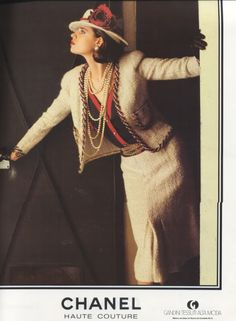 Learn about the history of Vintage Chanel Jewelry at the Vintage Fashion Guide brought to you by Rice and Beans Vintage. Chanel Outfit, Chanel Fashion, Couture Fashion, Chanel Couture, Vintage Chanel, Vintage Ads, 80s And 90s Fashion, Fashion Outfits, Fashion Black