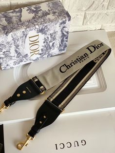 Dior Bags, Luxury Lifestyle, Jewelry Accessories, Belt, Fashion, Dior Handbags, Belts, Moda, Jewelry Findings