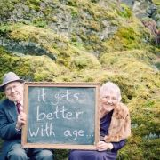 Provide chalkboard and chalk for guests to leave you a photographed message