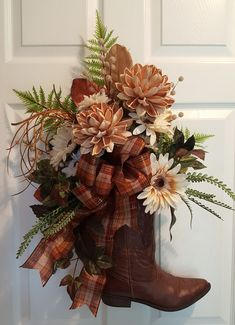 A cowboy boot wreath dressed for Fall. Fall Wreaths, Christmas Wreaths, Christmas Decorations, Door Wreaths, Xmas, Wreath Crafts, Diy Wreath, Cowboy Boot Crafts, Western Wreaths