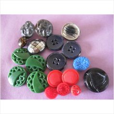 job lot of vintage glass buttons red black green deco collectable