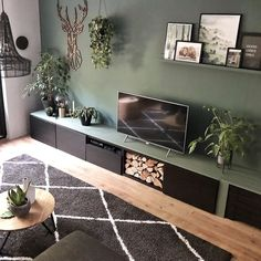 hjem accenter stue # home # homeaccents, home accents stue # home . New Living Room, Living Room Modern, Living Room Chairs, Home And Living, Living Room Decor Green Couch, Living Room Inspiration, Home Decor Inspiration, Room Interior, Interior Design Living Room