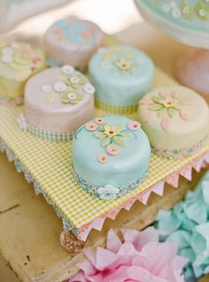 Prettily decorated cakes